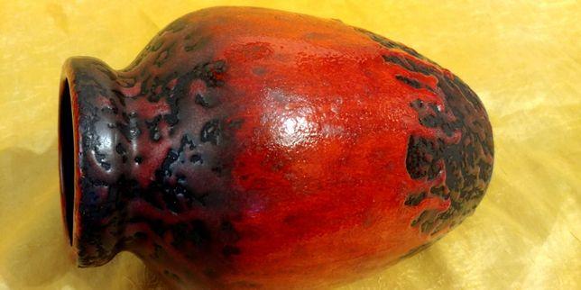 Duży czerwony wazon niemiecki lava sygnowany.
