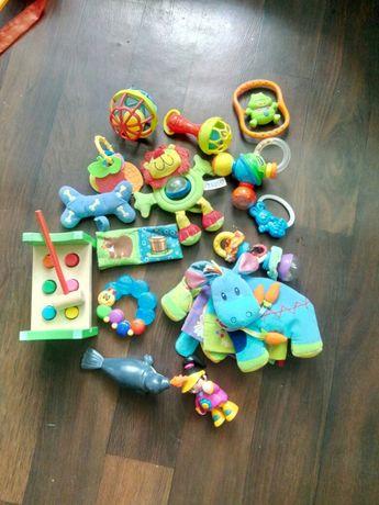 Погремушки, мягкие книжки, игрушки