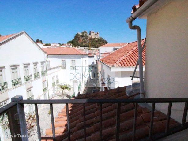 Apartamento T3 + Sótão Amplo No Centro Histórico De Leiria