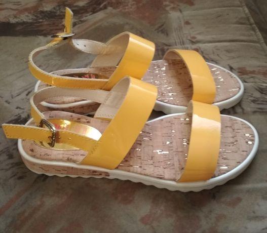 Босоножки, сандалии для девочки Pablosky 34 размер