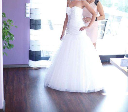 Suknia Ślubna swarovki