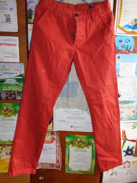 Джинсы Jack & Jones красные (морковные) один раз одеты. Приятная ткань