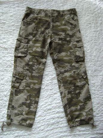 spodnie bojówki wojskowe roz L / na wzrost ok 170 cm / kamuflaż