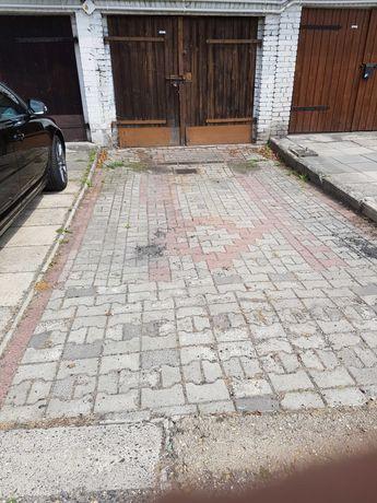 Sprzedam 2 Garaże w dzielnicy Zdrój, ulica Karola Miarki