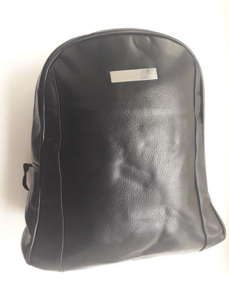 Рюкзак черный не большой
