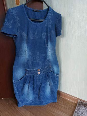 Летнее платье размер S 42 44 джинсовое платье