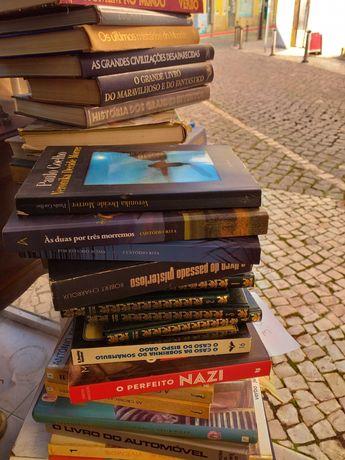 Vendo livros a 3,00 euros cada