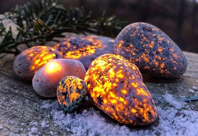 Fluorescent Glow Rocks Yooperlites