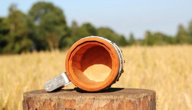 Kufel drewniany z okuciami
