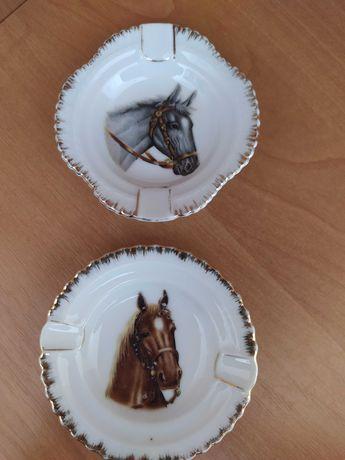 2 porcelanowe mini popielniczki z koniem