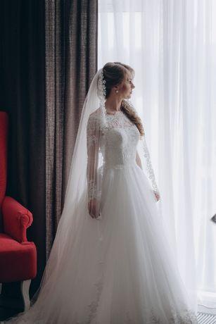 Продам свадебное платье Dominiss