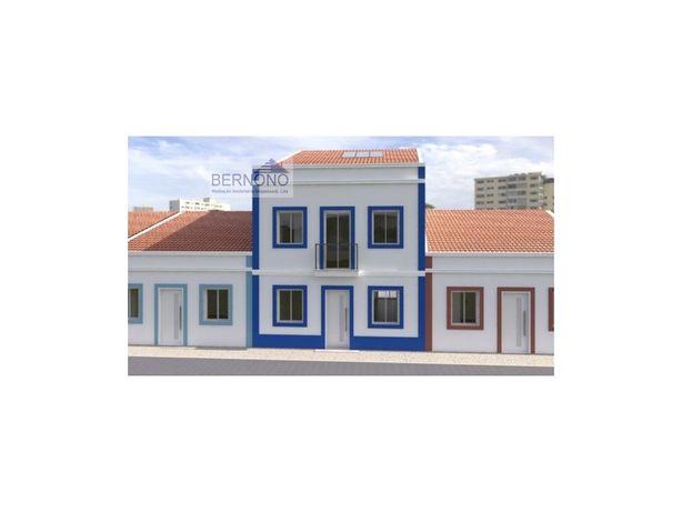 Excelente moradia T3+1, em construção no Montijo com 3 su...