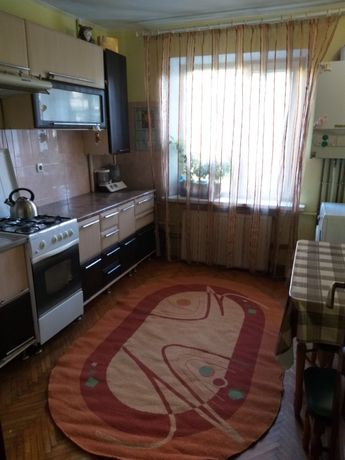 Продаж 3 кімнатноі квартири