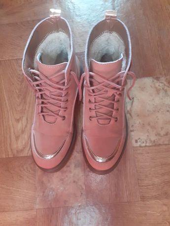 Зимние ботинки,на меху