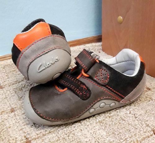 CLARKS дитячі кросівки, топаночки, взуття