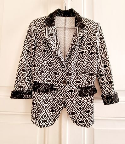 Новый итальянский нарядный черно-белый пиджак / жакет, размер XS-S