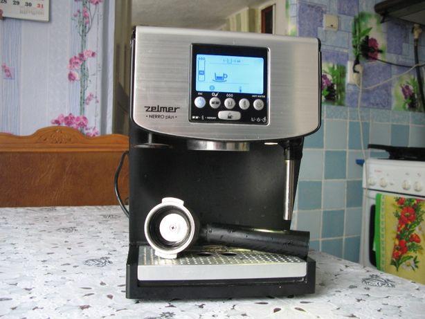 Продам кофеварку Zelmer 13Z016