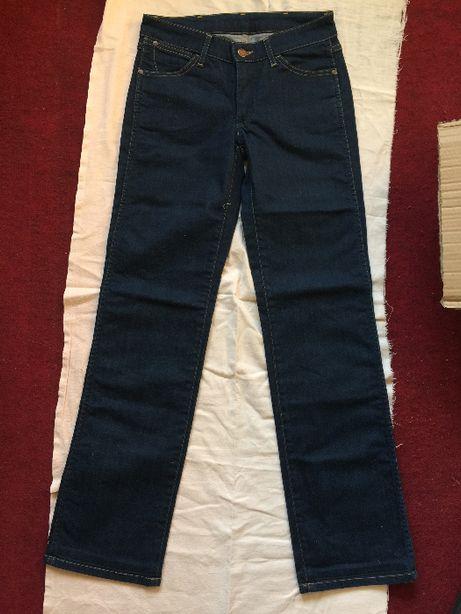Spodnie Wrangler seria Sara rozmiar W26 L32 - damskie