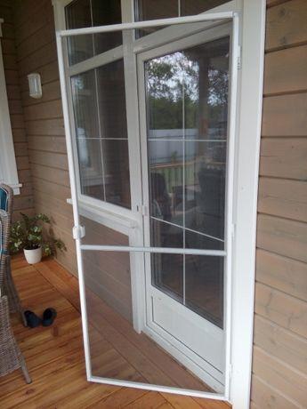 Москитные сетки для окон и дверей
