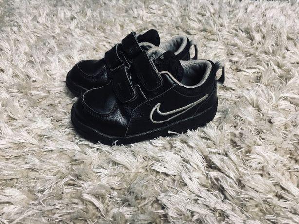 Кожаные кроссовки Nike, оригинал, р-р 22-23, стелька 14,5 см