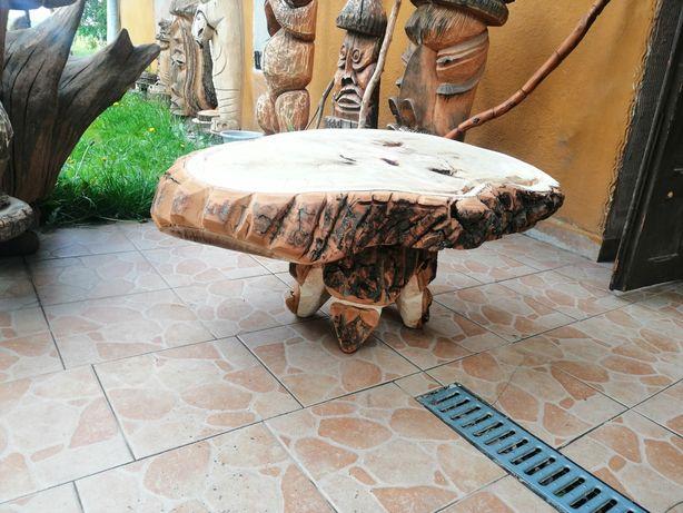 Stolik Z Plastra Drewna