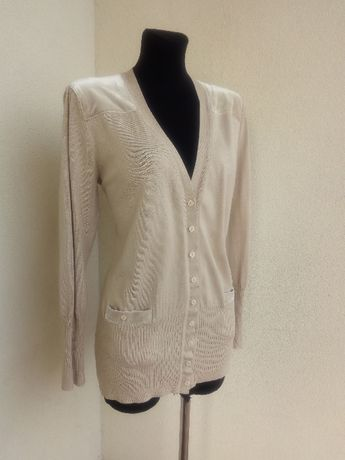 (15) Sweter na guziki beżowy dłuższy 44