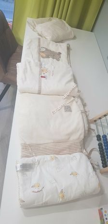Защитный бортик для детской кровати + 2 простыни на резинках 120*60