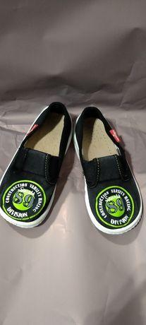 Дитяче взуття 25 розмір