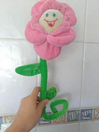 Flor em peluche