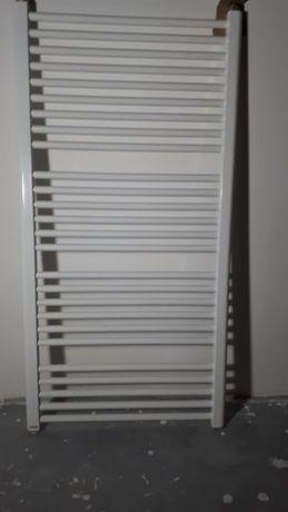 Grzejnik łazienkowy drabinkowy SOLTER L 1180x600 (668 W) z termostatem