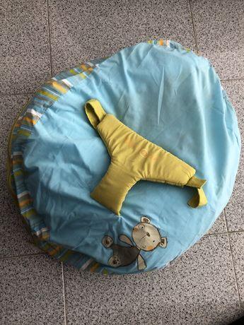 Almofada de amamentação e segurança do bebe da marca Jane