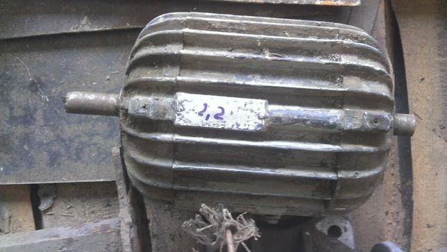 электродвигатель асинхронный 2,2 кВт 380/220 В