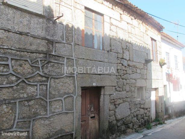 Casa de aldeia em pedra na Vila do Mato