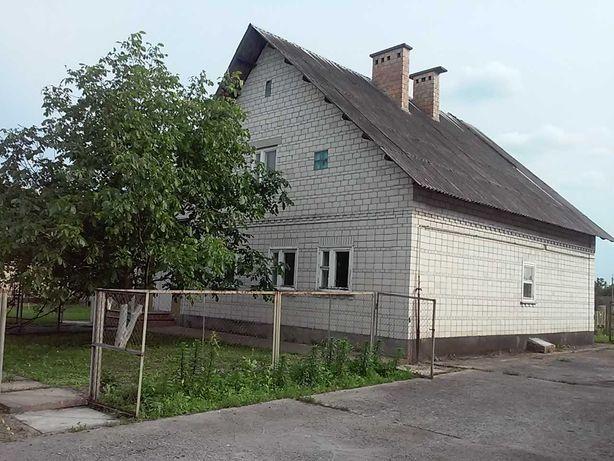 Продам дом в с.Старое недорого  200 кв.м.