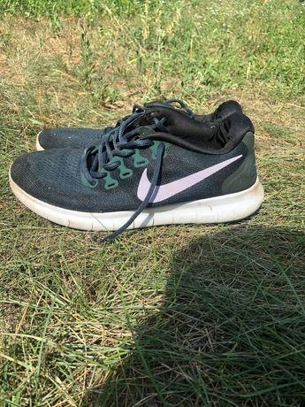 Кроссовки Nike 38