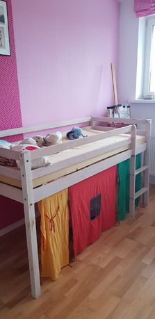 Łóżko dziecięce o wysokości 106 cm