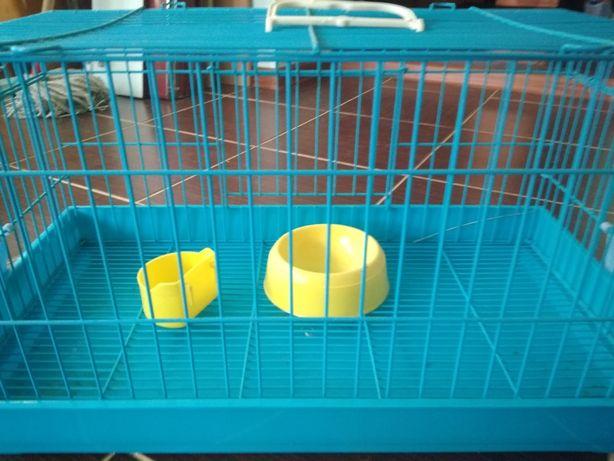 Продам клетку для грызунов с набором посуды для кормления