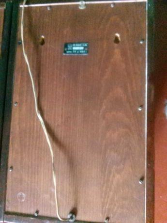 Колонки Мас-10 со шнурами и крепление на стену