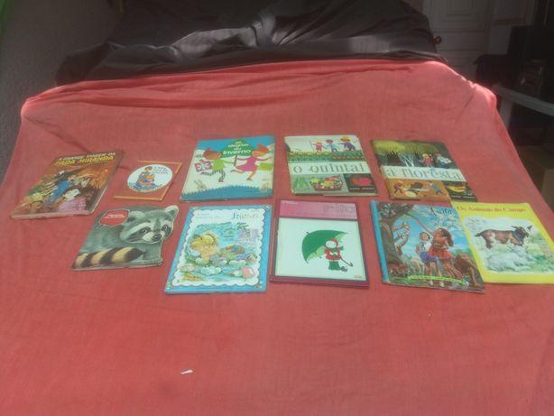 livros infantis e de adultos muito antigos