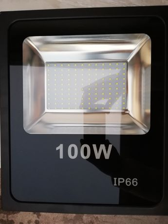 Прожектор 100w.