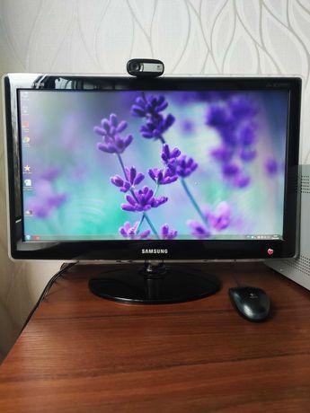 Компьютер: монитор, камера, колонка, клавиатура, мышка, системный блок