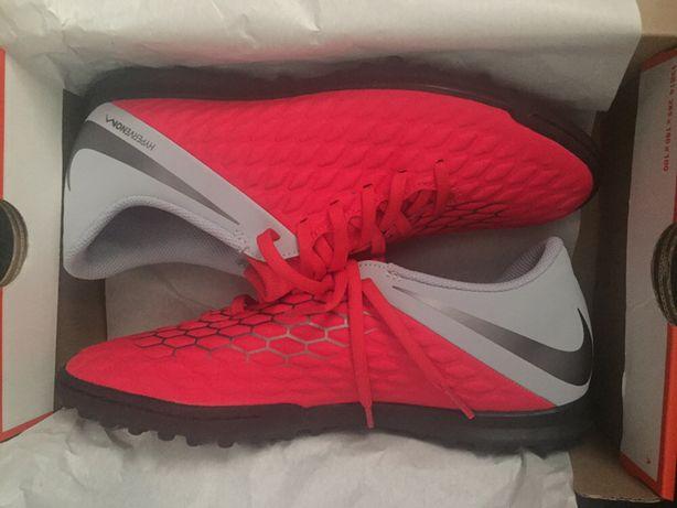 Chutarias/Sapatilhas Nike Hyp Turf Sintético nr38,5
