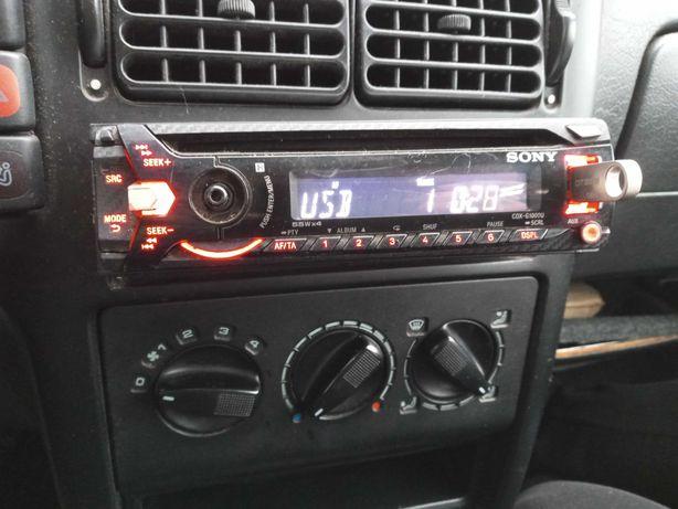 Radio samochodowe Sony CD, MP3, aux, USB.