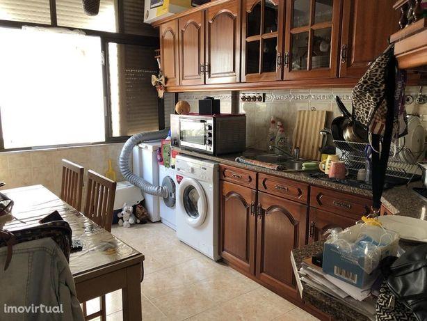 Apartamento T2 - 3ºandar, Lavradio