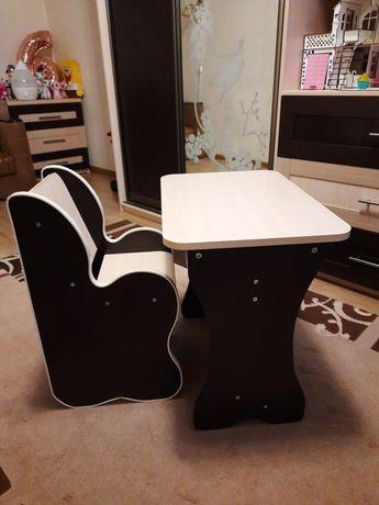 Стол и стул для дошкольника.