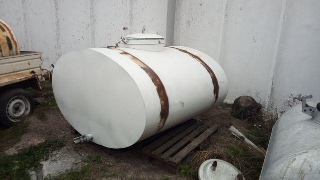 Бочка молочна 1.8 м. куб.