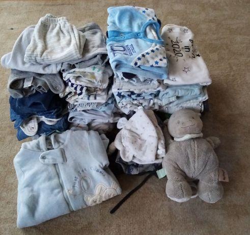 Duży zestaw ciuszków uniwersalny spodnie pajace czapki bluzki gratisy