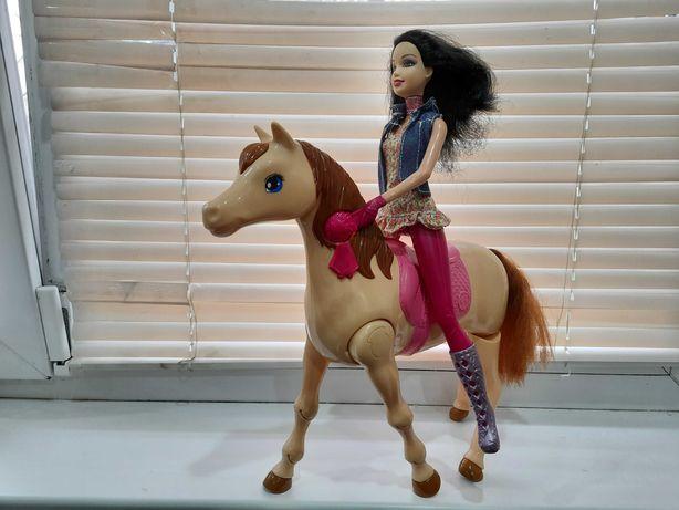 Продам куклу наездницу с лошадью интерактивная очень классная