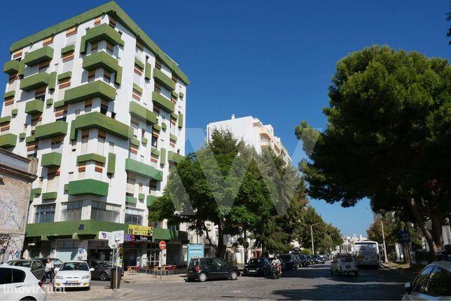 Apartamento T2  com varandas, perto do Centro e das Estações  |  Faro,