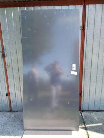 *Drzwi stalowe *